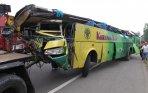 20140919_165851_bus-karunia-bakti-kecelakaan-beruntun-di-jagorawi.jpg
