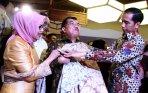 20141003_094743_jokowi-hadiri-hari-batik-nasional-di-pasaraya-blok-m.jpg