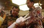20141003_095617_jokowi-hadiri-hari-batik-nasional-di-pasaraya-blok-m.jpg