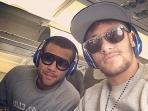 20141008_125406_dani-alves-n-neymar.jpg
