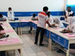 21-siswa-smk-muhammadiyah-3-weleri_20170317_215256.jpg