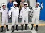 SpaceX Akhirnya Meluncurkan Astronot NASA ke Luar Angkasa