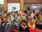 72-ikon-prestasi-indonesia-tampak-duduk-di-bangku_20170821_111123.jpg