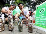 8-kg-sampah-dan-5-botol-puntung-rokok-di-cfd-dago_20190401_011052.jpg