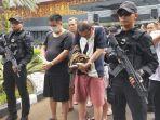 80-warga-negara-china-pelaku-kejahatan-penipuan-online-diserahkan-ke-imigrasi.jpg