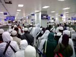 Antrean-Bandara-King-Abdul-Azis.jpg