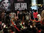 Antri-tiket-Lady-Gaga2.jpg
