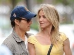 Cameron-Diaz-and-Tom-Cruise-Knight-and-Day.jpg