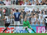 Hatem-Ben-Arfa-mencetak-gol-penalti.jpg