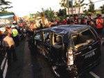 Mobil-tabrakan-di-Wates-Yogyakarta.jpg