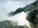 Puncak-Carstensz-Pyramid-Jayawijaya-Papua.jpg