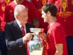 Raja-Spanyol-Juan-Carlos-dan-Iker.jpg