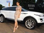 Victoria-Beckham-dengan-mobil-Range-Rover-Vogue.jpg