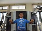achmad-jufriyanto-berlatih-di-gym-menggunakan-seragam-persib-bandung.jpg