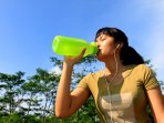 5 Penyakit Ini Bisa Menyerang Orang yang Jarang Minum Air Mineral