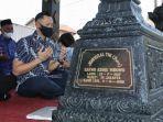 Jelang Ramadhan, AHY Ziarah ke Makam Sang Kakek Sarwo Edhie Wibowo
