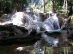 air-terjun-oenesu-kupang_20150620_153905.jpg