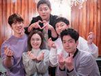 akses-link-nonton-episode-keenam-drama-korea-hospital-playlist.jpg
