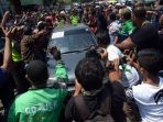 aksi-2019-ganti-presiden-di-surabaya-berakhir-ricuh_20180826_222207.jpg