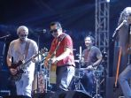 aksi-band-naif-di-the-90s-festival_20191124_145301.jpg