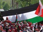 aksi-bela-palestina-di-depan-kedubes-amerika-serikat_20210518_201004.jpg