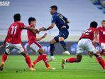 aksi-pemain-thailand-saat-meladeni-perlawanan-timnas-indonesia.jpg