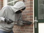 aksi-pencurian-di-rumah-kosong_20180105_153657.jpg