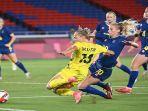 aksi-pesepakbola-putri-swedia-ketika-beraksi-di-olimpiade-tokyo.jpg