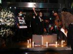 aksi-teatrikal-pemakaman-kpk_20190917_214429.jpg