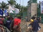 aksi-unjuk-rasa-mahasiswa-di-depan-gedung-dpr-ri-selasa-2492019.jpg