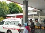 aksi-warga-menghalangi-ambulans-pembawa-jenazah-diduga-terpapar-corona.jpg