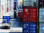aktivitas-Ekspor-barang-di-pelabuhan.jpg