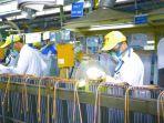 aktivitas-pekerja-dalam-proses-produksi-di-pt-panasonic-manufacturing-indonesia.jpg