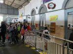 aktivitas-penumpang-di-stasiun-kota-kediri-saat-pandemi-corona.jpg