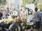 al-shabaab-klaim-serangan-restoran-di-mogadishu_20160829_132729.jpg