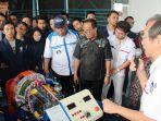 Hino Donasi Alat Peraga Transmisi Kendaraan untuk Institusi Pendidikan di Purwakarta