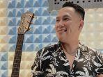 Alfin Alberto Fuah tak Lanjutkan Profesi Pelautnya Banting Setir ke Dunia Tarik Suara