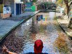 aliran-sungai-yang-mengalir-di-restoran-dan-tempat-wisata-watergong-klaten-jawa-tengah.jpg