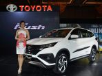 all-new-toyota-rush-diluncurkan_20171124_120016.jpg