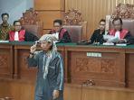 aman-abdurrahman-saat-sidang-di-pengadilan-negeri-jaksel-ju_20180525_132546.jpg