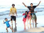anak-bermain-dengan-orangtua_20150322_165153.jpg