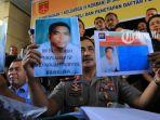 andi-lala-tersangka-pembunuhan-riyanto-dan-keluarganya-di-mabar_20170411_191551.jpg