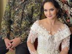 Pesona Angelica Simperler, Artis yang Dinikahi Eks Suami Saphira Indah, Awet Muda