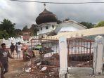 anggota-dpr-ri-m-nasir-djamil-saat-memantau-lokasi-reruntuhan-akibat-gempa_20161207_182824.jpg