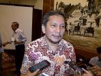 anggota-ombudsman-republik-indonesia-alamsyah-saragih_20161023_133704.jpg
