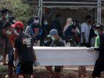 angka-kematian-covid-19-di-indonesia-tinggi_20210627_184610.jpg