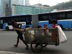 angka-kemiskinan-indonesia-bertambah-imbas-covid-19_20200415_164624.jpg