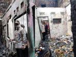 Kunjungi Lokasi Kebakaran di Matraman, Anies akan Fasilitasi Tempat Tinggal Sementara Bagi Korban