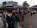 Hari Pertama PSBB Transisi, Penumpang KRL Meningkat 7 Persen