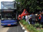 antusiasme-warga-naik-bus-tingkat_20180311_203107.jpg